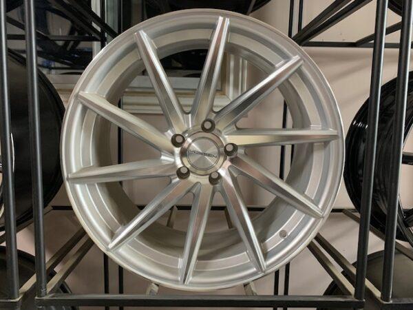 Car rim 5X114.3